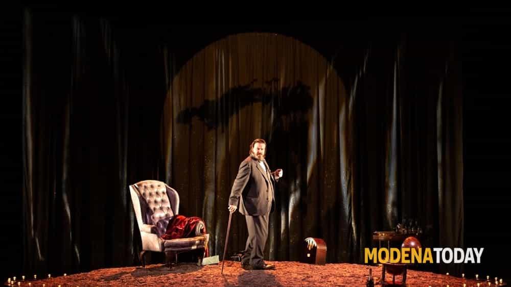 """Giuseppe Battiston in """"Wiston vs Churchill"""" al Teatro Fabbri di Vignola - ModenaToday"""